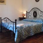 08 room in private villa lucca